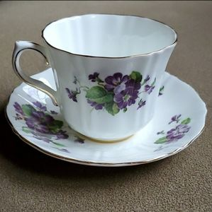 Vintage Royal Bone China Floral Tea Cup Saucer Set
